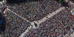 Social and cultural aspects for crowds motion prediction